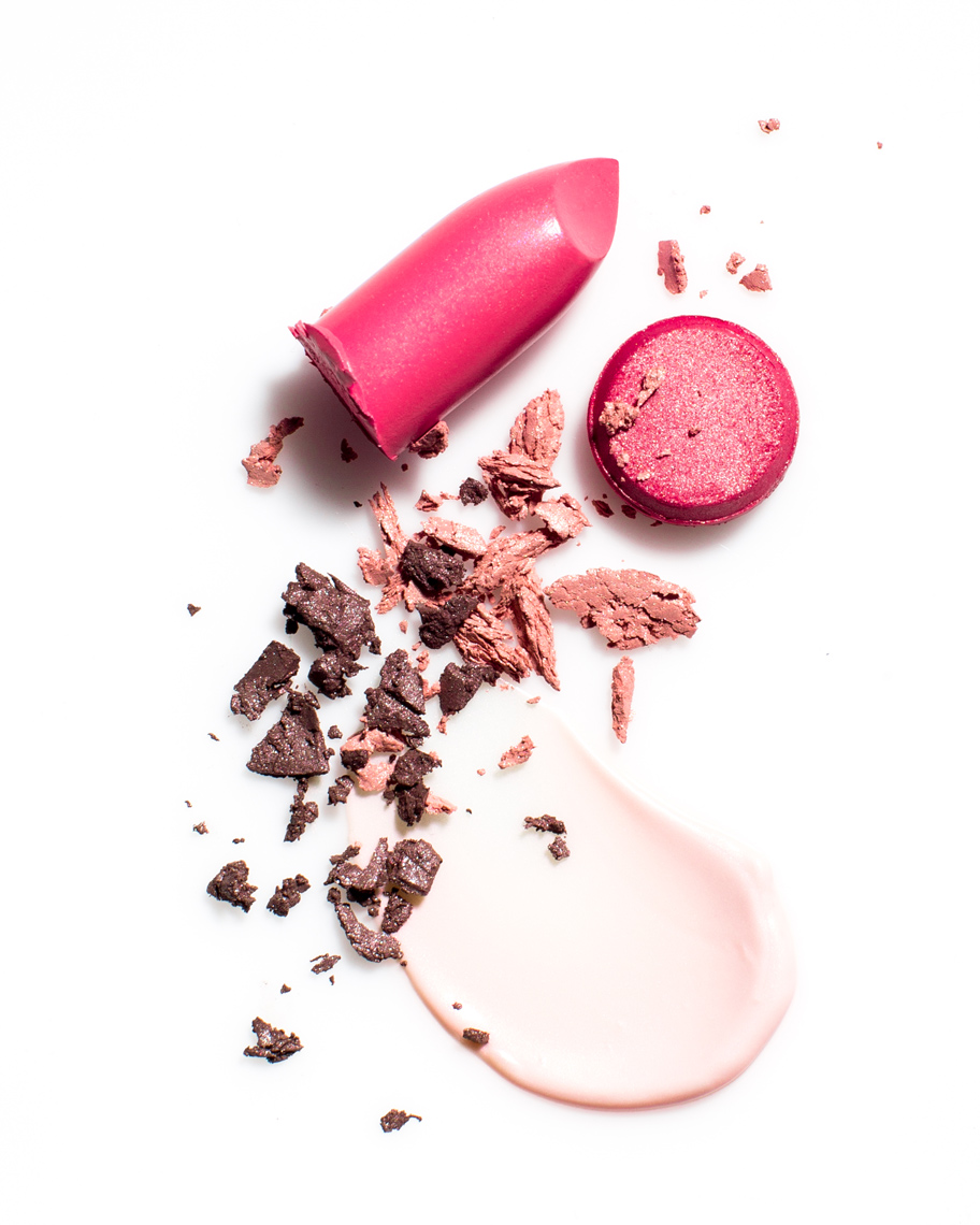 Maybelline-Cosmetics-Pink-Lipstick-Eye-Shadow-Smear-Beauty-Photography