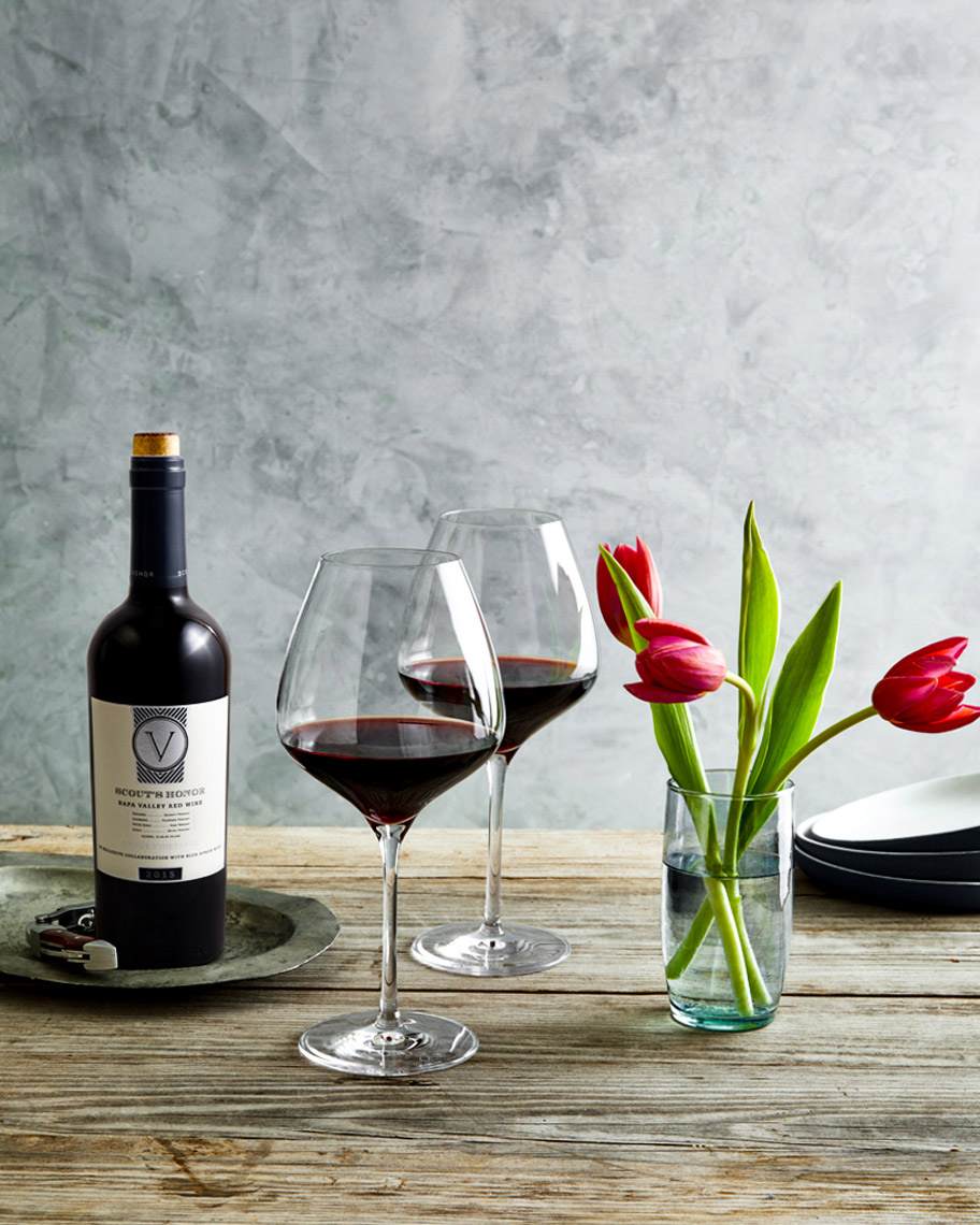 Red-Wine-Glasses-Tulips